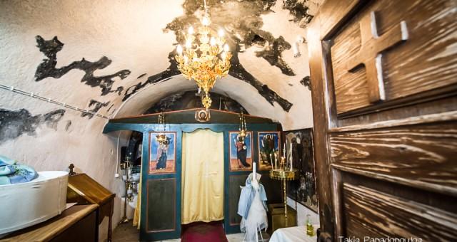 βάπτιση στον Άγιο Κοσμά στο Ακρωτήρι